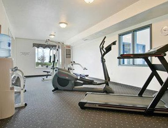 Super 8 High River AB : Fitness Centre