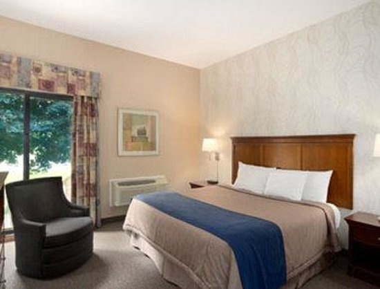 Super 8 Port Elgin: Standard King Bed Room
