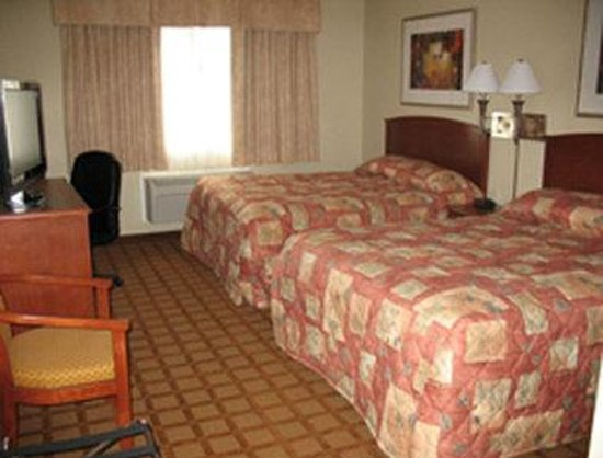 Super 8 Abbotsford BC: Guest Room with Two Queen Beds