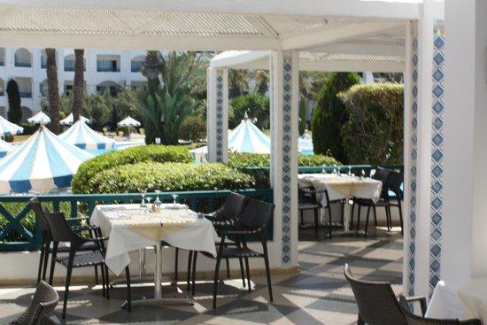 Mahdia Palace Thalasso : Pool restaurant
