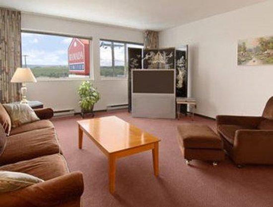Ramada Limited Dawson Creek: Suite