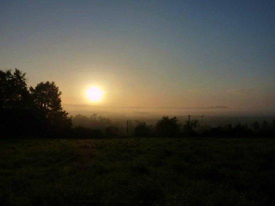 Camino de Santiago: amanece en el camino