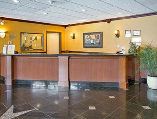 Ramada Limited Vancouver Airport: Lobby
