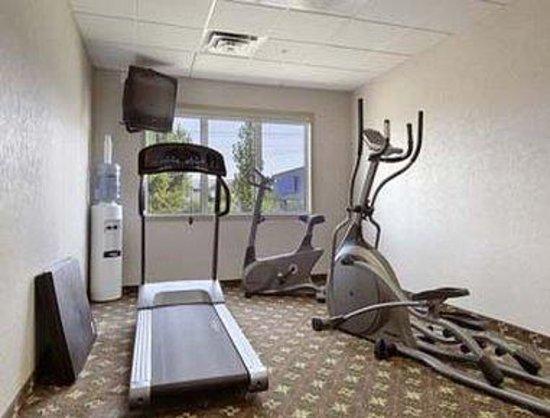 Super 8 Red Deer City Centre: Fitness Center