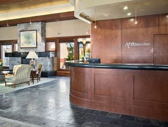 Ramada Kelowna Hotel and Conference Centre: Lobby
