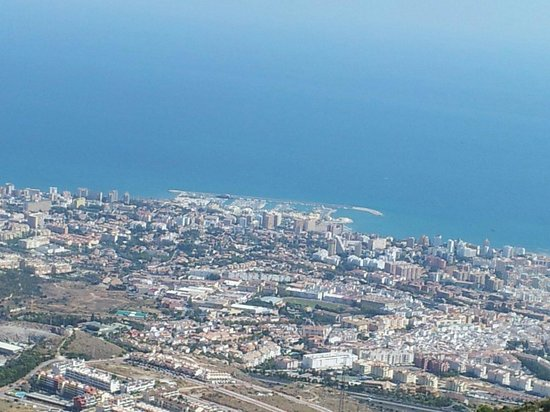 Hotel Best Benalmadena: View from up in the cable car...Amazing