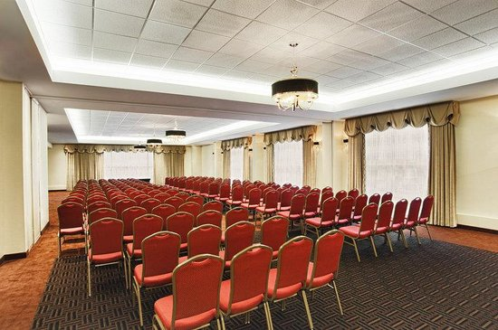 Four Points by Sheraton London: Meeting Room