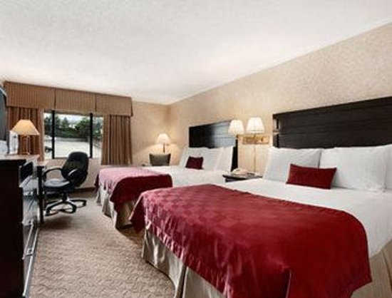 Ramada Coquitlam: Standard Two Queen Bed Room