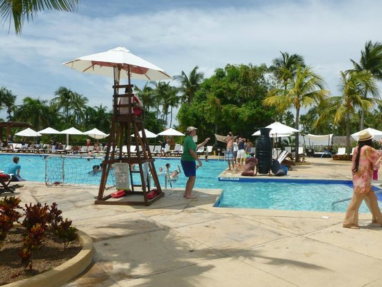 Club Med Ixtapa Pacific: Pool area with plenty of room for everyone