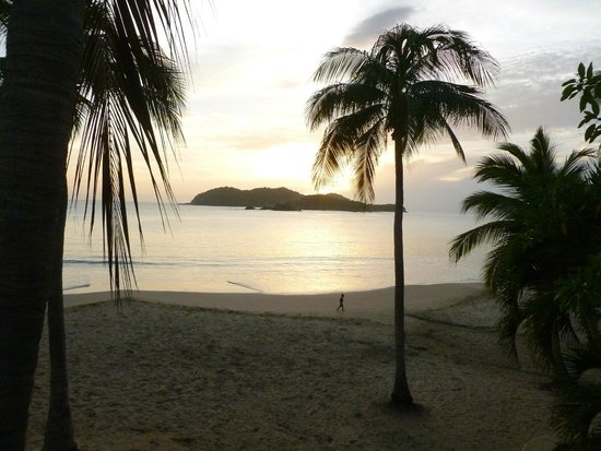 Club Med Ixtapa Pacific: Evening view over a pristine beach and beautiful ocean