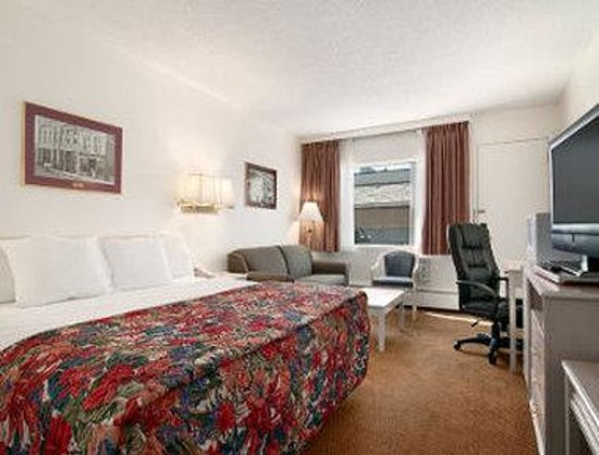 Travelodge Calgary South: Guest Room