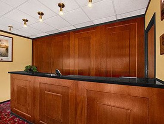 Brunswick Hotel Complex: Lobby