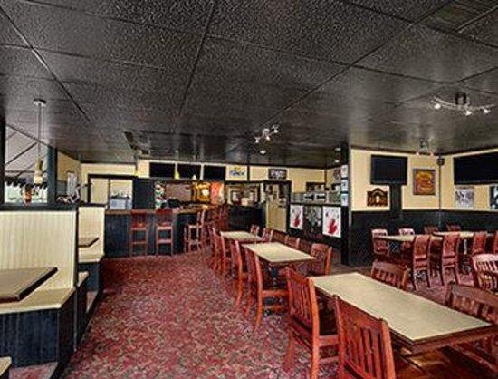 Brunswick Hotel Complex: Don Cherry's Sports Grill