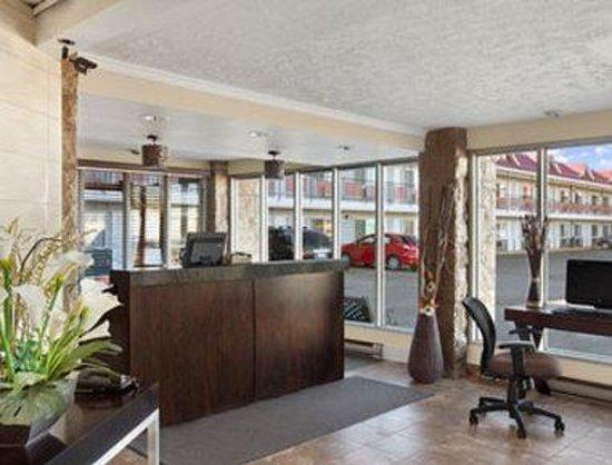 Saskatoon Thriftlodge: Front Desk