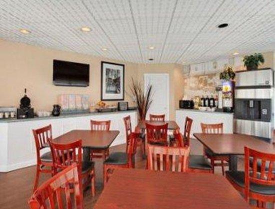 Saskatoon Thriftlodge: Breakfast Area