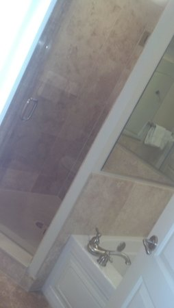 North Beach Plantation : Master Bath