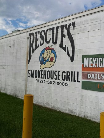 Rescues Smokehouse Grill: Good que