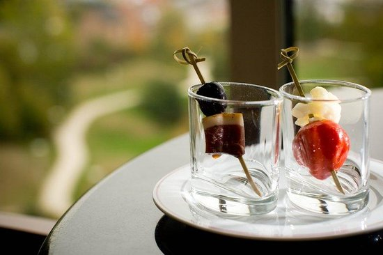 Crowne Plaza Hotel Brussels Airport : Complimentary continental breakfast for all club floor guests