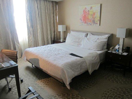 Le Meridien Pyramids Hotel & Spa: Bedroom in the suite