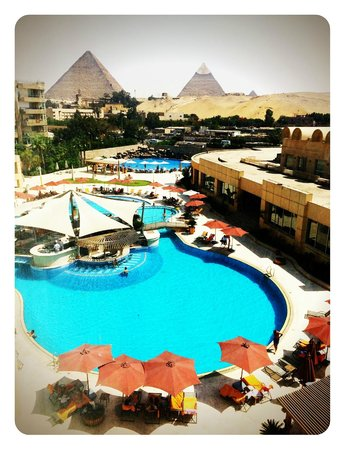 Le Meridien Pyramids Hotel & Spa: You can't beat this view