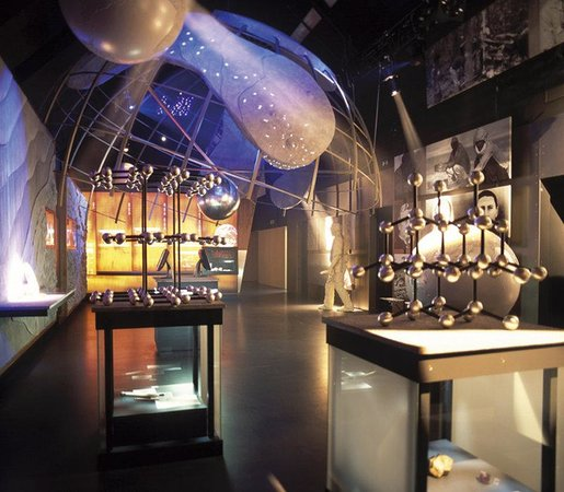 Holiday Inn Express Antwerp City North: All you need to know about diamonds at the Diamond museum