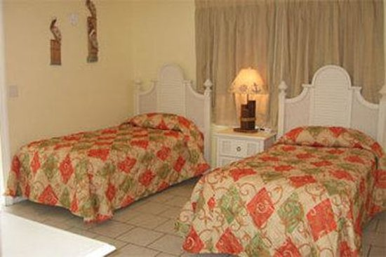 Pelican Beach Villas: NXPEBVRBeachfront King Villa