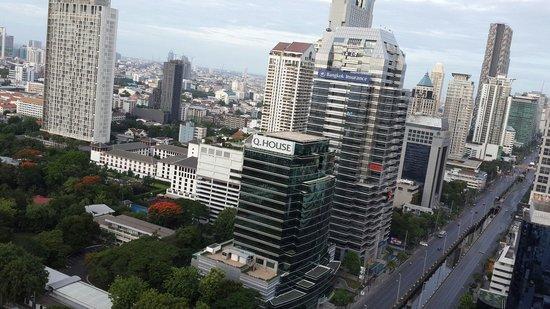 SO Sofitel Bangkok: Top view facing Sathorn RD.