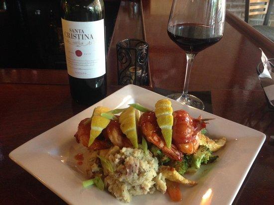 Two Tonys Taverna Grille: Tony T's Sicilian Prawns
