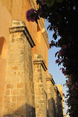 Templo de Santo Domingo : Estribos