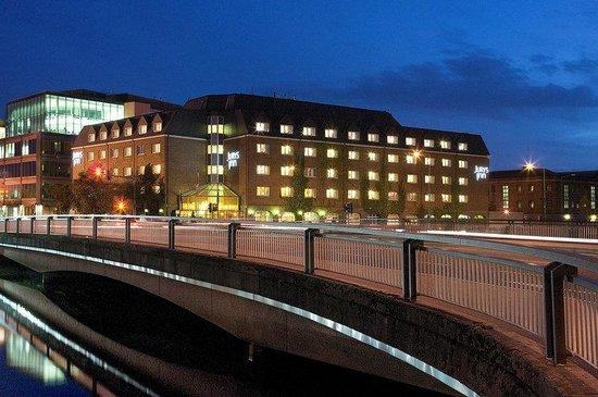 Jurys Inn Cork: Exterior