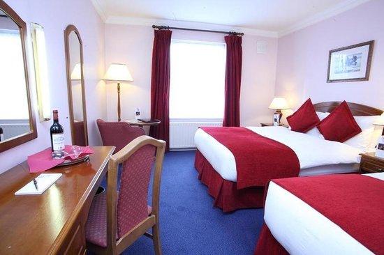 Charleville Lodge: Room
