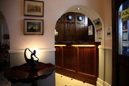 Charleville Lodge: Interior