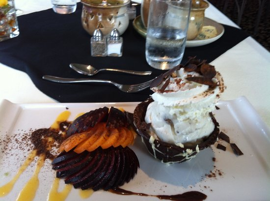 The Birches at Ben Eoin Cape Breton: Ice-cream in chocolate bowl