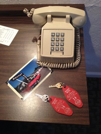 Rocket Motel : Real keys!