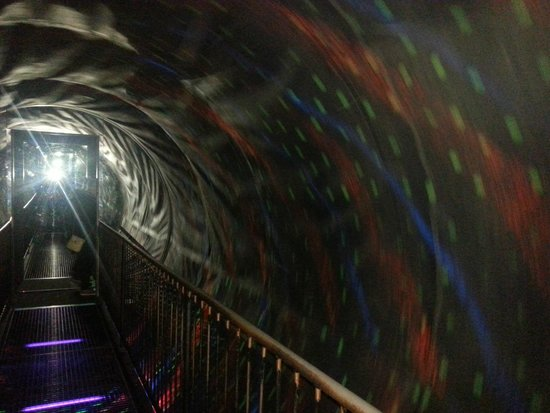 Camera Obscura und Welt der Illusionen: Tunnel of Illusion