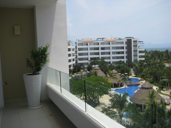Marival Residences Luxury Resort: View from our balcony on the 5th floor