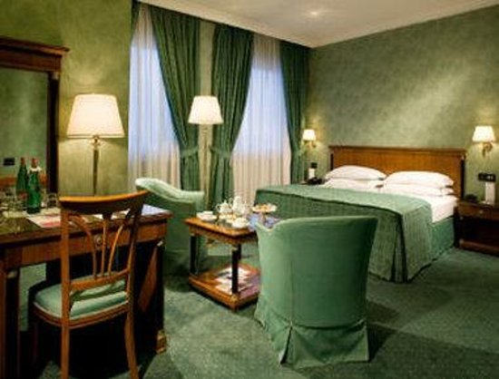 Ramada Naples : Guest Room