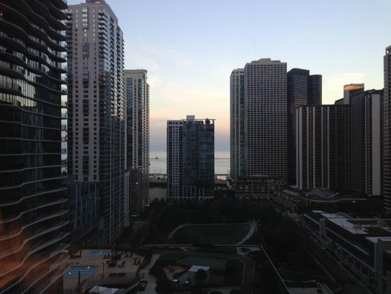 Fairmont Chicago Millennium Park: View from 1422