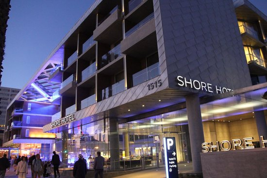 Shore Hotel : View from the street