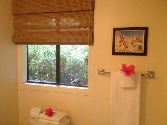 The Inn at Mama's Fish House: Bathroom