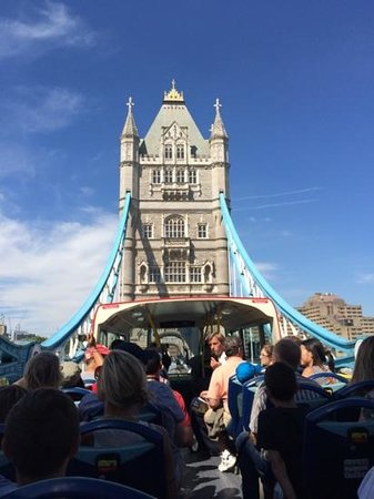 The Original London Sightseeing Tour : The view of Tower Bridge from the back of the bus