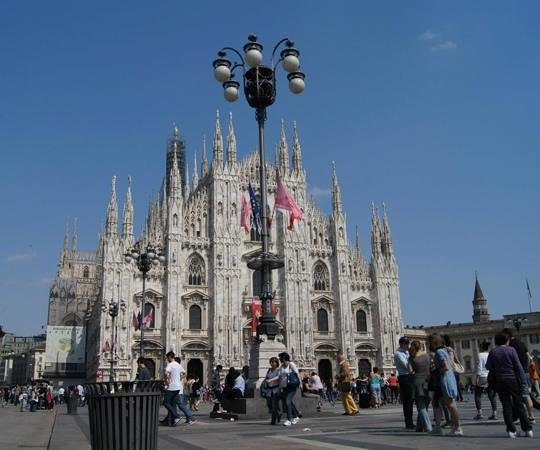 Catedral (Duomo): Worth the visit to Milan for enlightening history.