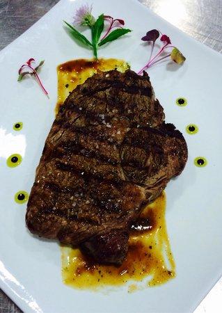 La Pasta Bistro & Grill : Ribeye steak 400g