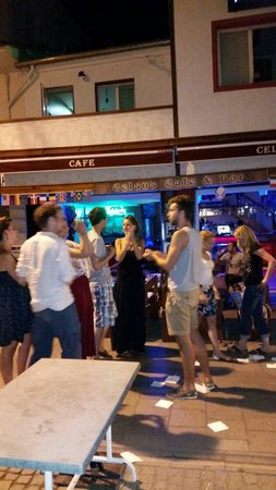 Celsus Cafe Bar : Yes super party and crezy dance