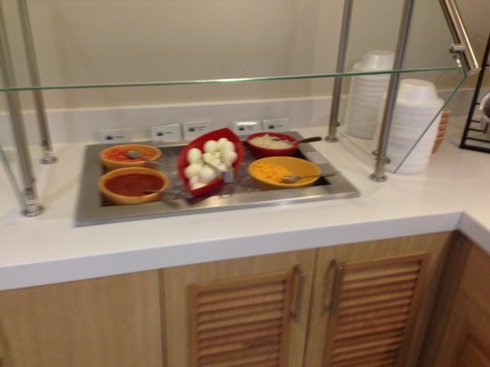 Sonesta ES Suites Orlando: Breakfast selection
