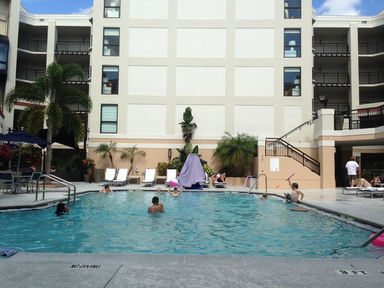 Sonesta ES Suites Orlando: Pool area