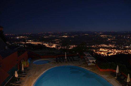 Luna Hotel dos Carqueijais : Vista do quarto 309 (de noite)