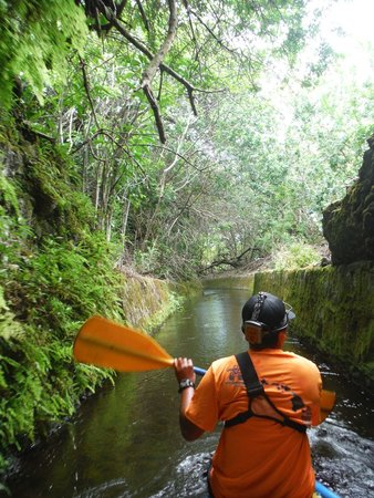 Kohala Ditch Adventures: The guide in the lead boat