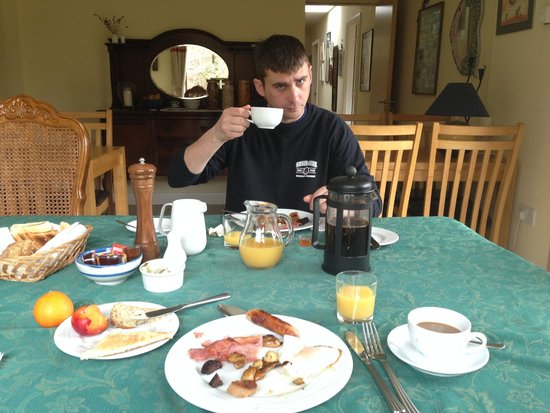 Nonaim Lodge Angling & Accommodation: Amazing breakfasts!