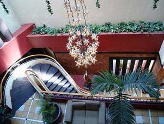 Howard Johnson Plaza Hotel Las Torres: Lobby